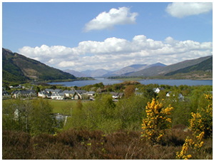 View over loch - Self Catering Cottages near Glencoe